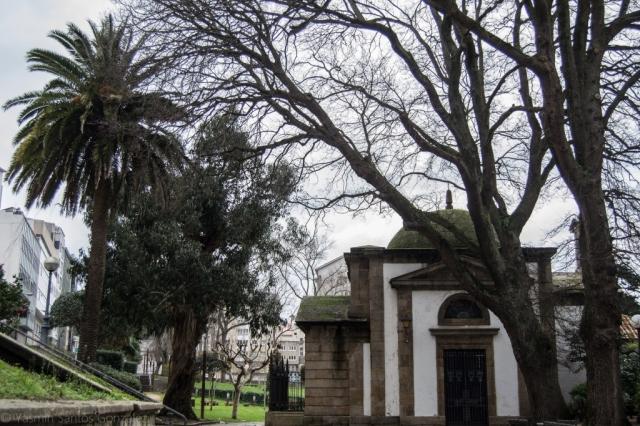 Inaugurado en 1813, es construido a raíz de la prohibición de enterramientos en el entorno de las iglesias.