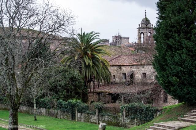 Comienza a ser edificado por la orden dominica en el siglo XV. Con la desamortización se emplea como cuartel, eliminándose el claustro, albergando hoy usos municipales como el Museo de la Ciudad.