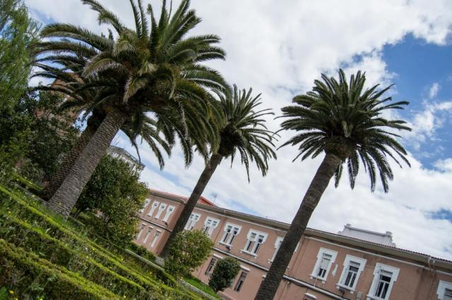 La antigua Casa Cuna de A Coruña es un centro dependiente de la Diputación que funciona como Hogar Infantil y Centro de Día, dedicado a la atención de menores entre 0 y 12 años.