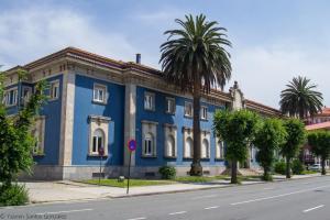 Enmarcado dentro de la arquitectura de posguerra el edificio de Aduanas es realizado por Manuel Ródenas entre 1944 y 1945.