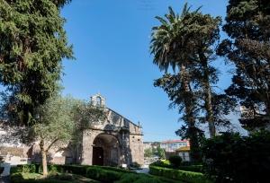 El templo gótico fue erigido en la primera mitad del siglo XIV sobre uno anterior de orden románico y reducido tamaño, siendo consagrado en 1327.