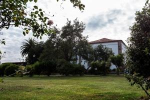 Los orígenes de esta propiedad se remontan a 1730-40 cuando Pedro Bermúdez de Mandiá comienza la construcción del complejo, que finalizaría en 1780 su hijo y heredero José María Bermúdez de Mandiá y Pardiñas-Villardefrancos.