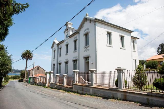 A finales de 1912 se consolidaba en Cuba la asociación de vecinos de San Claudio, cuyo gran proyecto fue la construcción de una escuela en la parroquia natal.