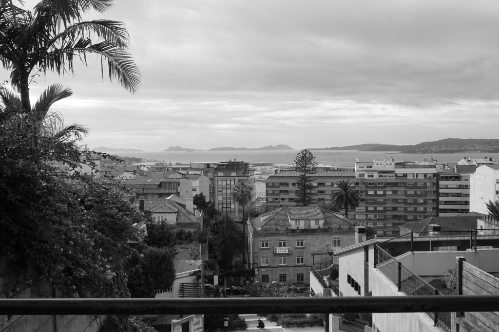 En 1932 Sergio Saborido Cid fundaba en Vigo el Colegio Labor, que funcionó además como internado hasta la década de los setenta.